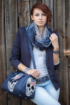 styleBREAKER edler Loop Schlauchschal mit Streifen und Paisley Muster im Doubleface Stil, Unisex 01018093 – Bild 15