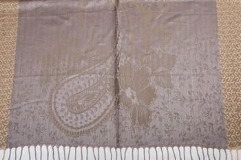 styleBREAKER edler Schal mit Blumen, Paisley, Ornament Muster und Fransen, Stola, Damen 01018095 – Bild 23