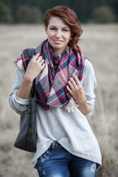 styleBREAKER square XXL scarf, wrap scarf with Scottish Tartan plaid pattern, unisex 01018136 – Bild 24