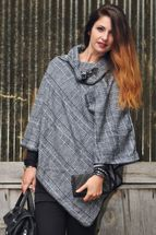 styleBREAKER soft poncho with sophisticated check pattern and duffle button, women 08010003 – Bild 13