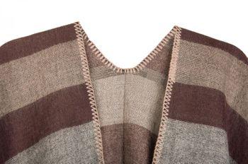 styleBREAKER Poncho mit Streifen Muster, Überwurf Cape, Wendeponcho, Damen 08010009 – Bild 11