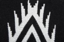 styleBREAKER Strick Poncho mit Azteken, Streifen Muster, Feinstrick Umhang mit Fransen, Überwurf Cape, Damen 08010014 – Bild 4