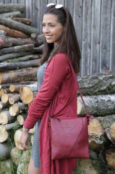 styleBREAKER Messenger Bag Umhängetasche mit Nieten Stern und überlappender Optik, Schultertasche, Handtasche, Damen 02012105