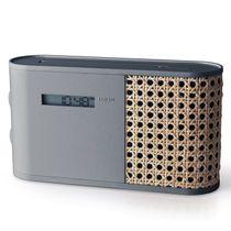 Design Radio, AM/FM Empfang, Beleuchtetes LCD Display, Anzeige von Frequenz, Uhrzeit und Batteriezustand, Bluetooth zum streamen von Musik, Kopfhöreranschluß