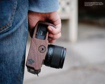 Kamera Handgriff für Olympus Pen-F handgefertigt aus Walnuss Holz und Aluminium Bild 4