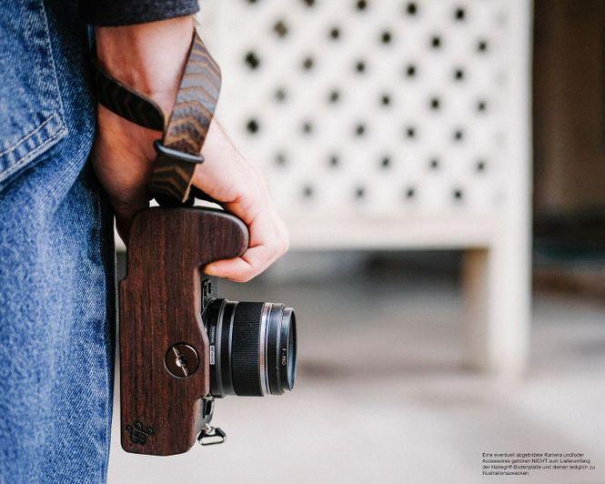 Kameragriff Bodenplatte für Olympus OM-D E‑M1 Mark II Handmade aus Walnuss Holz Bild 6