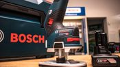 Neuheit: Die erste 12 Volt Akku-Kantenfräse auf dem Markt: Die GKF 12V-8 von Bosch!