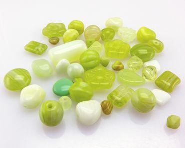 Glasperlen Mischung hellgrün 6-15mm 40St. Perlen Mix Glas Beads Perlenmix -1807 – Bild 2