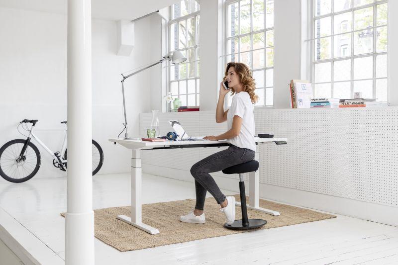 Schreibtisch höhenverstellbar als Tischgestell für unterschiedliche Tischplatten