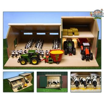 Kids Globe Kuhstall Viehstall mit Schuppen 1:32 für Bauernhof