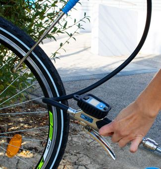 Güde Digitaler Reifenfüller V 12 PRO – Bild $_i