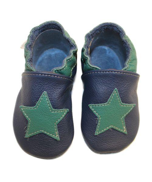 Krabbelschuhe Stern grün auf dunkel blau von baBice