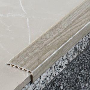 Treppenstufenprofil Myck 45x22mm Eiche 2P 2m – Bild 1
