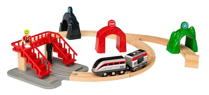 Brio Großes Smart Tech Reisezug Set mit Action Tunnels
