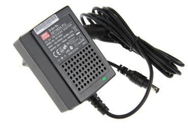 ✅ 24Vdc 0,75A 18Watt, Mean Well GST18E24-P1J, Universal Stecker Netzteil, AC/DC Adapter