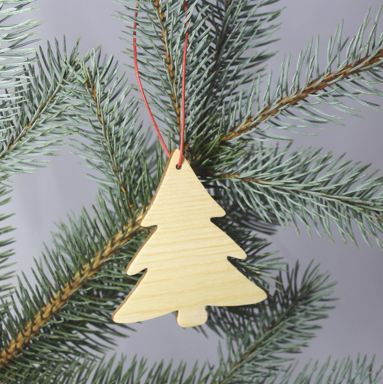 Dekoration Weihnachtsbaum.3er Set Zirbenholz Tannen Baum Christbaum Schmuck Gebürstet Mit Rotem Baumwollband Weihnachtsdekoration Holz Anhänger Als Dekoration Für Ihren