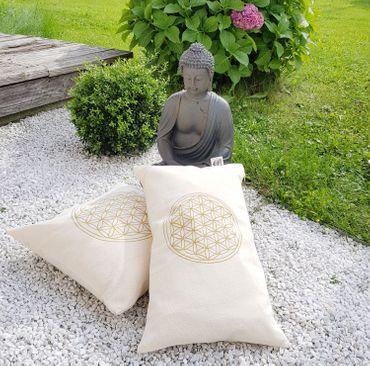 Zirbenkissen Blume des Lebens mit Inlett 30x50 cm befüllt mit Zirbenspänen aus  100% Alpen Zirbenholz – Bild 3