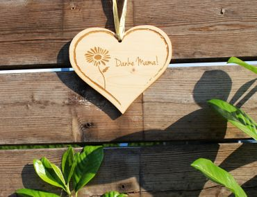 Zirbenherz - Danke Mama - Spruch Geschenk aus Zirbenholz Holz inkl. Band zum Aufhängen – Bild 4