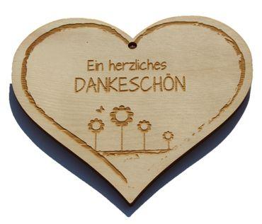 Zirbenherz - herzliches  Dankeschön  - Spruch Geschenk aus Zirbenholz Holz inkl. Band zum Aufhängen
