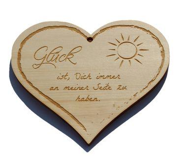 Zirbenherz - Glück, mit dir an meiner Seite - Spruch Geschenk aus Zirbenholz Holz inkl. Band zum Aufhängen