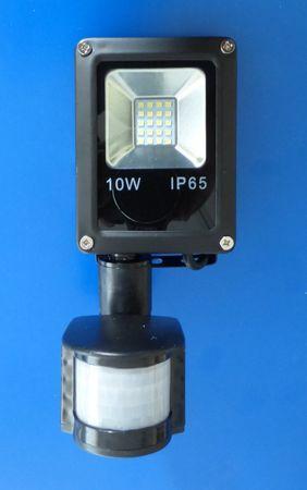 LED Fluter 10 Watt schwarz Bew. Meld. Kaltweiss -#3014 – Bild 2