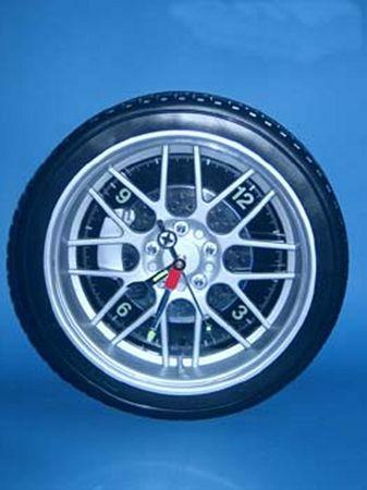 Uhr mit LED Beleuchtung blau im Reifen Design -#3046