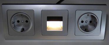 DELPHI silbern 1xLed Lampe +2xSteckdose Elektro Dose Stecker Kupplung -#8673