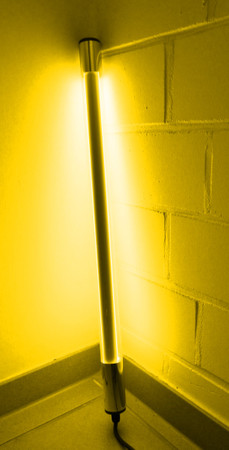 LED Leuchtstab 10 W 63 cm IP-44 Blendschutz Gelb -#9647 – Bild 1