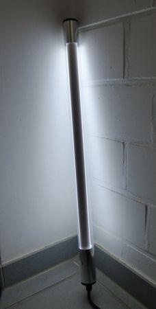 LED Leuchtstab 18 W 123 cm IP-44 Blendschutz CW -#9656 – Bild 1
