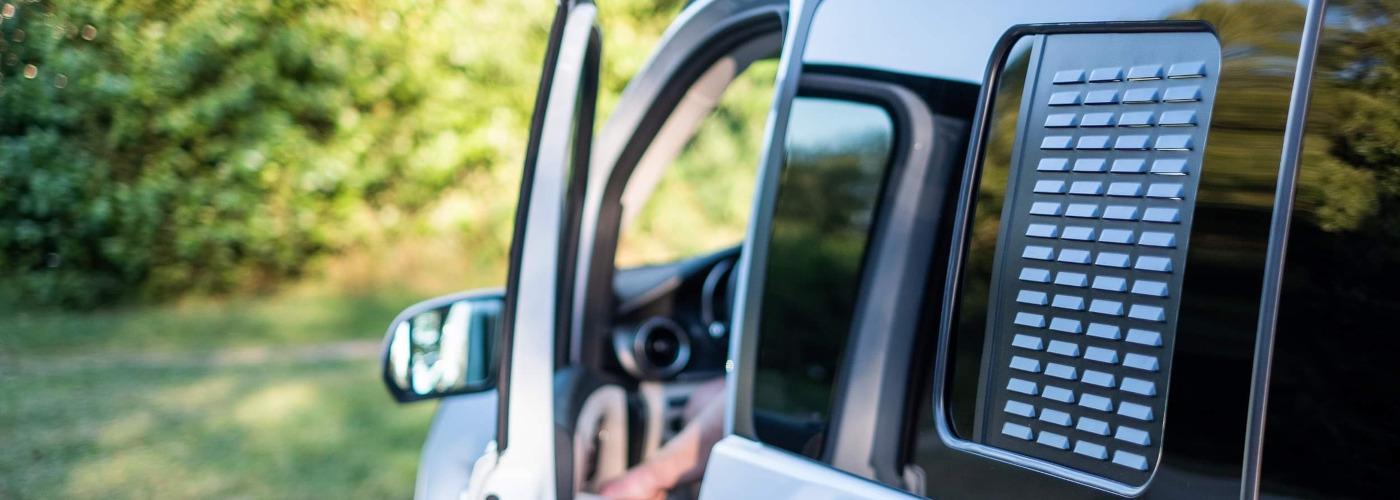 Westfalia Lüftungsgitter für Schiebefenster links über Küchenzeile passend für Mercedes Marco Polo W447