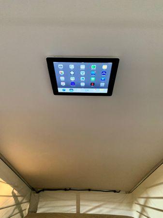 Magnet Tablet, iPad, Smartphone, iPhone Halter fürs Aufstelldach des Mercedes Marco Polo (W447) ab BJ2014 – Bild 1