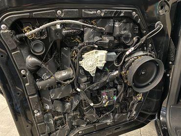 Premium Sound System 3Wege Vollaktiv + Subwoofer für Mercedes V Klasse, Marco Polo, Horizon, Activity (W447) ab BJ2014 - inkl. Einbau – Bild 1