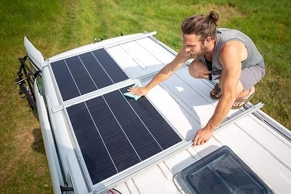 Solarmodul auf Wohnmobil