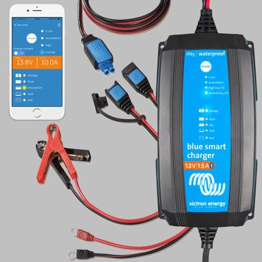 IUoU Battery Charger 12V / 15A, Blue Power, IP65 with DC connector, Smart Version with Bluetooth