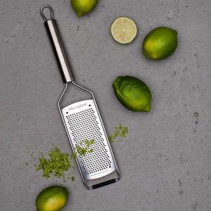 Microplane Professional Reibe + SCHARFsinnig Küchenmesser – Bild 7