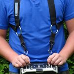 Verstellbarer Komfort Kreuzgurt für AHLtec Senderpulte - Schwarz - zum Beispiel für Yuneec ST16 ST16S ST24 / Mavic Senderpult - Profi Zubehör von AHLtec