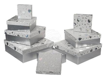 938853 Silberfarbene Geschenkkartonage mit silberfarbenem Diamantendekor, ca. 22,5 x 22,5 x 8 cm, 8er Set, einzelne EAN-Auszeichnung, 216/PAL