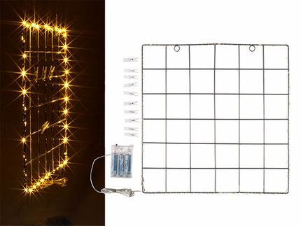 94-2586 Metall-Wandgitter mit 40 LED-Lichterkette & 10 Kunststoff-Clips, für 3 Mignon Batterien (AA)