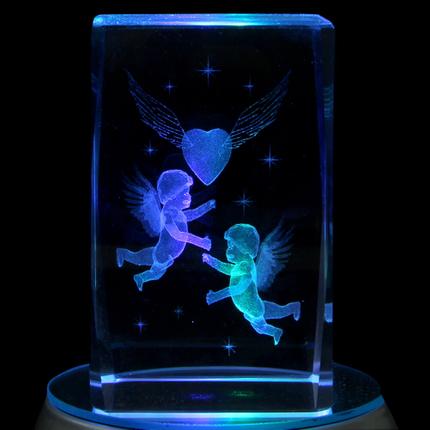 KQ-054 Kristall Quader Motiv: Fliegendes Herz, Cupido Farbe: klar