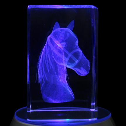 KQ-102 Kristall Quader Motiv: Pferd Farbe: klar