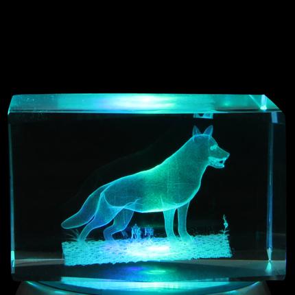 KQ-107 Kristall Quader Motiv: Wolf Farbe: klar