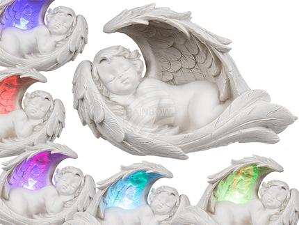 936944 Schlafender Polyresin-Engel im Flügel mit farbwechselnder LED (inkl. Batterie) ca. 19 x 11 cm, 2-fach sortiert