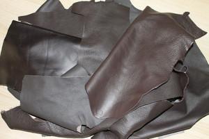 Lederreste 1 kg - dunkelbraun / braun - handgroß bis größer