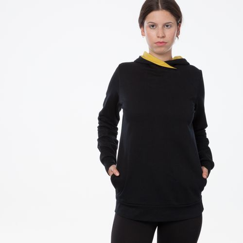 ThokkThokk TT1026 Cross Hoodie Black Woman made of 100% organic cotton // GOTS and Fairtrade certified