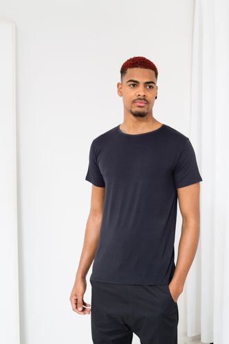 ThokkThokk TT65 T-Shirt Man Graphite made of sustainable tencel jersey // Sustainable & Fair