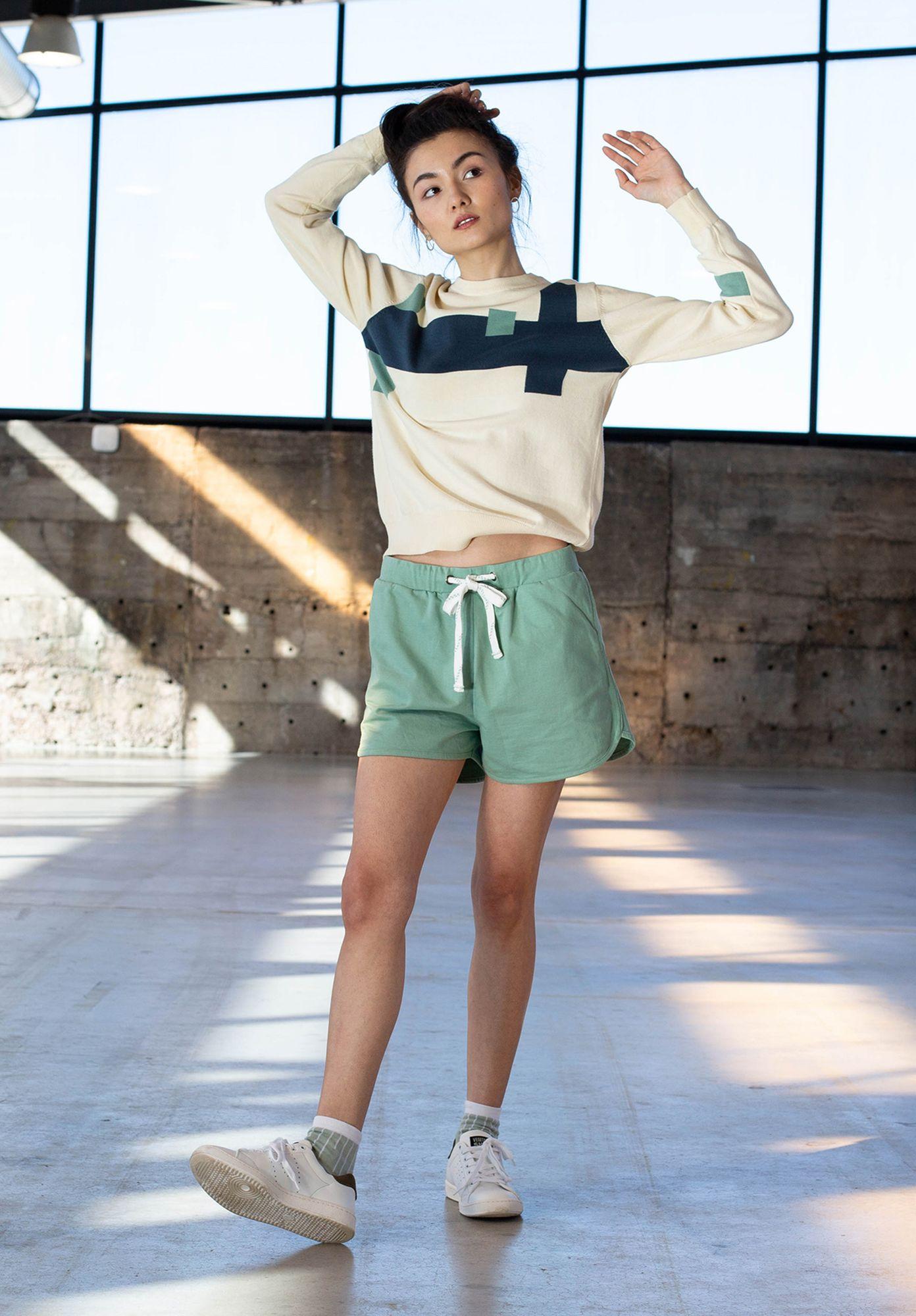 TT1023 Shorts Cabbage