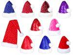 Bonnet de Père mère Noel Noël lux très classe pas cher en tissus péluche de qualité supérieure avec  bordure moumoutte pompons fourrure l'accessoire festif idéal pour les fêtes de fin d'année