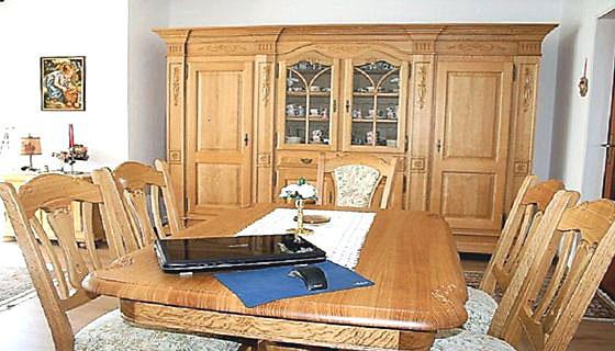 Klassische Möbel und massive Eichenmöbel