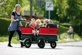 Turtle Kinderbus für 4 Kinder von Winther (Turtle Bus / Turtlebus / Krippenwagen)