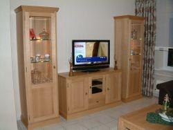 Malta Kombination aus Säulenvitrinen mit Sideboard/Lowboard TV Anrichte, Eiche massiv, moderner Landhaus-Stil / Eiche, Buche oder Kirschbaum vollmassiv